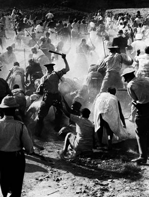African History - Rioting in South Africa during the apartheid era