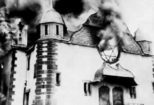 The Holocaust - Synagogue burning on  Kristallnacht